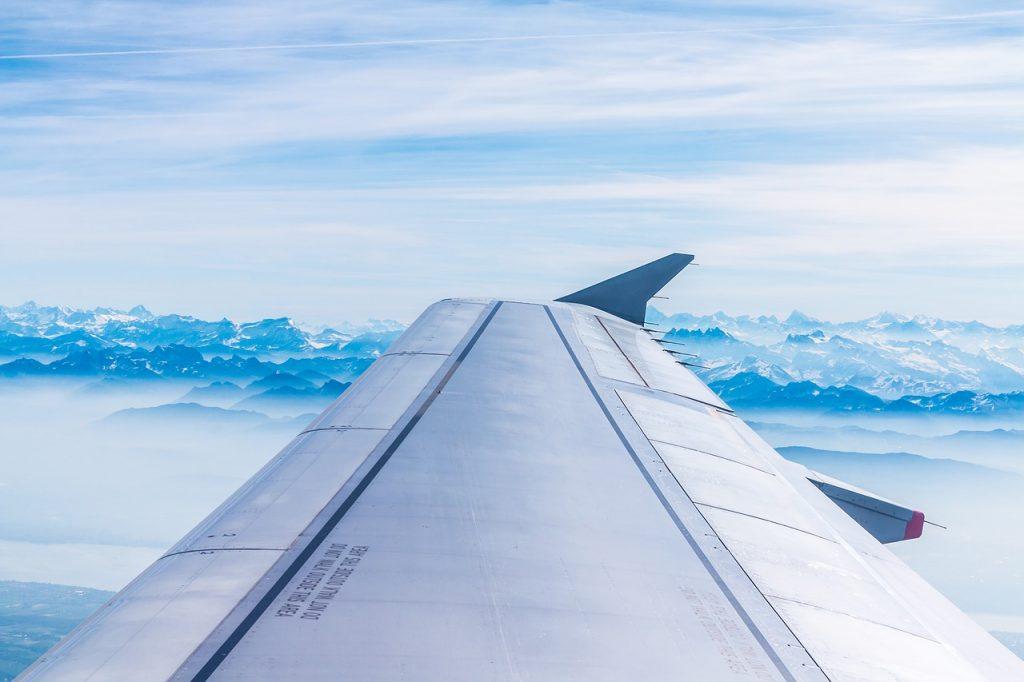 aile-d-un-avion-en-vol