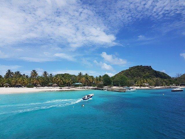 plages sur les grenadines dans la caraïbe