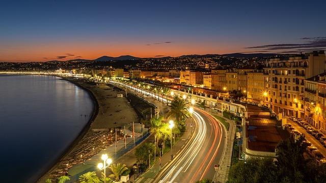 Ville de Nice le soir